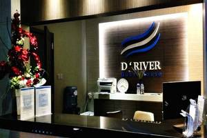 D River Guest House Bandung - Resepsionis