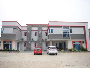 OYO 185 Roriz House