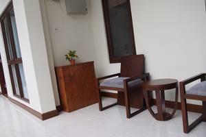 Jayagiri Guesthouse Bandung - Teras Lantai 1