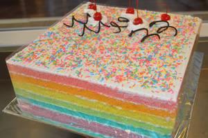 World Hotel Jakarta - Rainbow Cake - Papi Papo Bakery