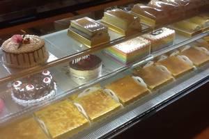 World Hotel Jakarta - Papi Papo Bakery