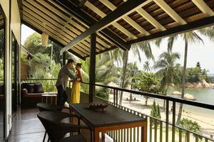 Turi Beach Resort Batam - Riani Suite Beachfront Room Balcony