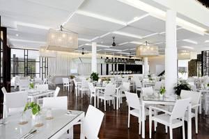 Turi Beach Resort Batam - Taming Sari Cafe