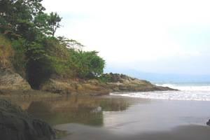 Bayu Amrta Hotel Sukabumi - Pantai Pribadi di area hotel