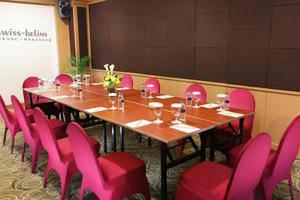 Swiss Belinn Makassar - Meeting Room