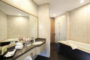 Swiss Belinn Makassar - Bathroom