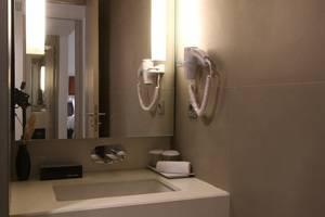 Tangram Hotel Pekanbaru Pekanbaru - Business (4)