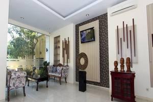 Summer Season Boutique Hotel Yogyakarta - Lobi