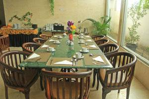 Hotel Marilyn South Tangerang - restaurant