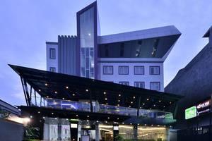 Oak Tree Mahakam Jakarta - Tampilan Luar Hotel