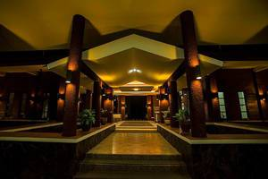 Rollaas Hotel and Resort Malang - Pintu Masuk