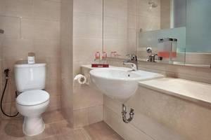 favehotel Melawai - Bathroom