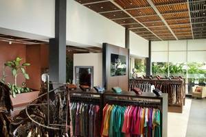 Eastparc Hotel Yogyakarta - Batik Gallery