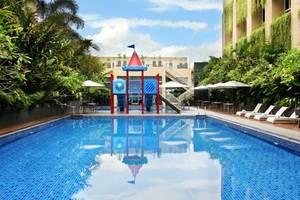 Eastparc Hotel Yogyakarta - Main Pool