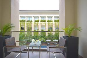 Eastparc Hotel Yogyakarta - Balcony