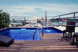 Biz Hotel  Batam - Kolam Renang Outdoor