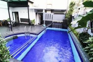 Geulis Boutique Hotel & Cafe Bandung - Kolam Renang