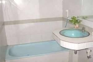 Hotel Mataram 1 Yogyakarta - Bathroom