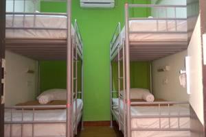 CX Hostel Kuta Raya Bali - Tempat tidur susun