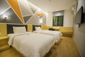 7 Days Premium Hotel Jakarta - Standard Twin Room