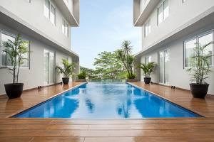 Nite & Day Residence Alam Sutera - Pool