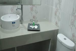 Hotel Griya Dharma Kusuma Bojonegoro - Kamar mandi