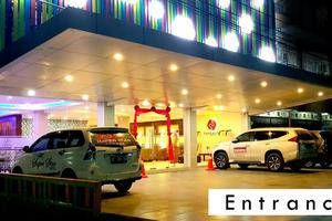 Superstar Hotel Dumai - Entrance