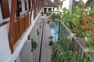 Tinggal Premium Ubud Raya Tjampuhan - Swimming pool view