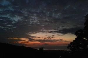 Banana Villa Retreat Bali - Matahari terbenam