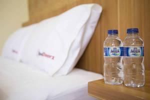 RedDoorz @Panglima Polim Jakarta - Air botol gratis