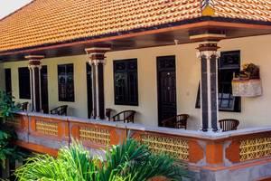 Lolo House