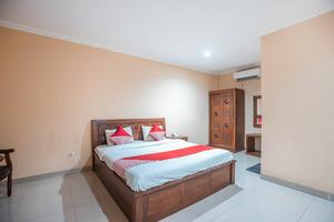OYO 686 Bunga Karang Hotel
