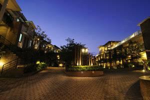 Den Bukit Suites Jimbaran - Suasana Sore tampak luar