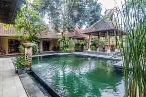 ZenRooms Ubud Jalan Andong Bali - Kolam Renang