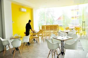 Summer Bed and Breakfast Hotel Banjarmasin - Ruang makan