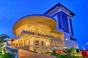 Horison Hotel Jababeka - Tampak Samping