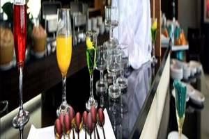 Quality Plaza Hotel Makassar - Menu