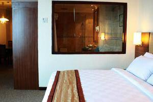 Quality Plaza Hotel Makassar - Room
