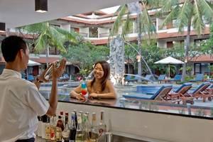 Bali Rani Hotel Bali - Bar kolam renang