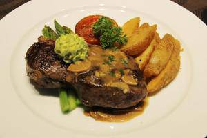 Eska Hotel Batam - Makanan dan minuman
