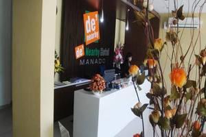 De' Nearby Hotel Manado - Resepsionis