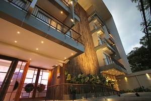 THE 101  Dago - Hotel Building