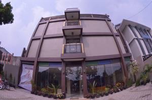Suria City Hotel Bandung - Facade