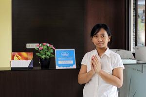 Airy Eco Setiabudi Tengah 3 Jakarta Jakarta South - Receptionist
