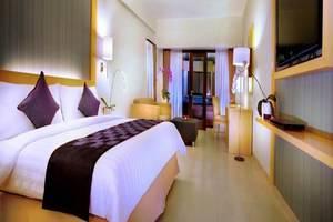 Quest Hotel Kuta - Kamar tamu