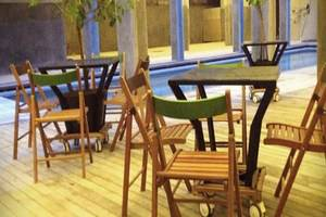 Greenhost Hotel Jogja - Meja Makan
