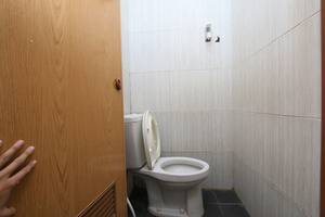 Bantal Guling Pasar Baru - Toilet