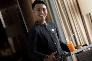 Hotel Santika Premiere Hayam Wuruk - Waiter