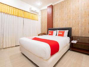 OYO 1695 Royal Senggigi Hotel