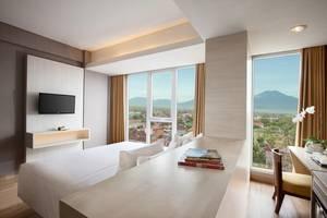 Hotel Santika Banyuwangi - Bedroom